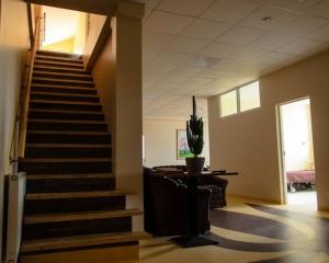 seneliu-namai-laiptai-2-aukstas